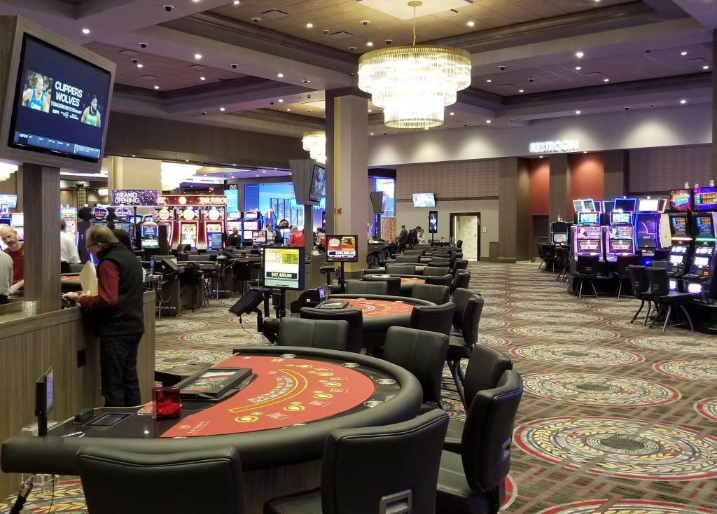 Eight Rules About Casino Meant To Be Damaged